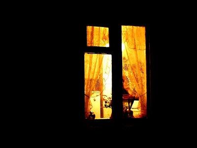 Разбойник всю ночь выискивал под окнами домов подходящую жертву