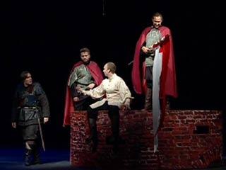 В Смоленске состоялась премьера спектакля «Стена»