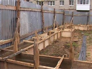 Жители домов на 25 Сентября протестуют против строительства нового павильона