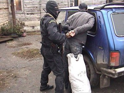 За сутки правоохранители выявили шестерых наркодилеров