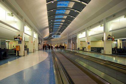 Во флоридском аэропорту провели эвакуацию