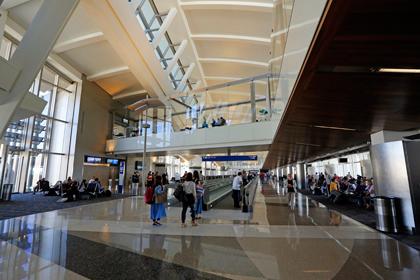 В аэропорту Лос-Анджелеса взорвались бомбы из сухого льда