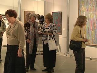 Смоленские художники представили масштабную выставку в КВЦ имени Тенишевых
