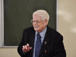 Скончался легендарный смоленский ученый Вадим Баевский