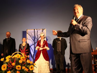 Экс-губернатор Сергей Антуфьев обрадовался актерам-землякам в Польше