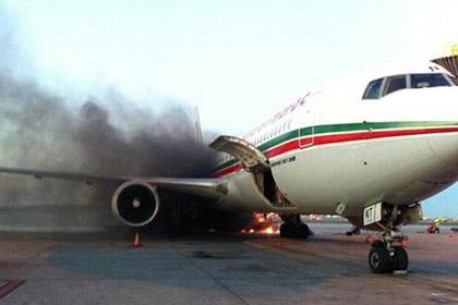 В аэропорту Монреаля загорелся авиалайнер