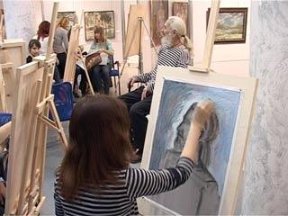 Смоленские художники провели мастер-классы для молодых живописцев