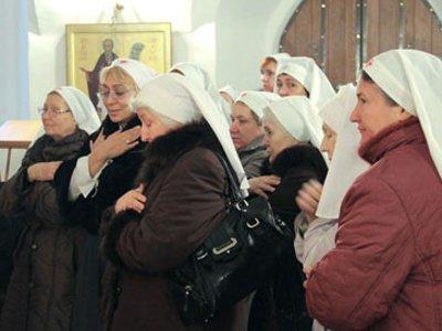 В Смоленске повторили исторический молебен на начало служения сестер милосердия