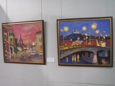 Смоленские художники устроили масштабную выставку к юбилею города
