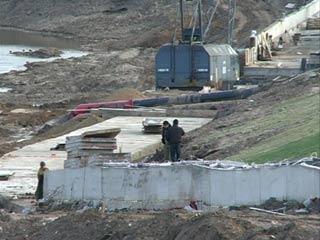 Расследования по фактам нарушений при строительстве Смоленской набережной продолжаются
