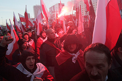 Варшава отказалась возмещать ущерб от нападения на российское посольство