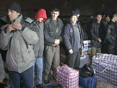 Со Смоленщины выставили 171 мигранта-нелегала