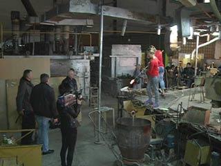 Первомайский стекольный завод добивается признания своей продукции художественным промыслом