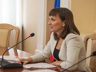 Замглавы администрации Смоленска попросила принять ее в сестры милосердия