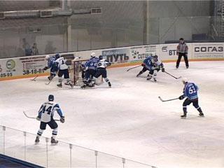 Смоленские хоккеисты со второй попытки обыграли ЦСК ВВС