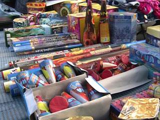 В Смоленске выявляют случаи торговли контрафактной пиротехникой