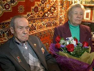 В Смоленске с 90-летием поздравили известного журналиста Василия Титова