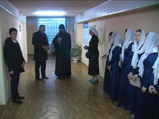 Смоленские сестры милосердия навестили пациентов «Красного креста»