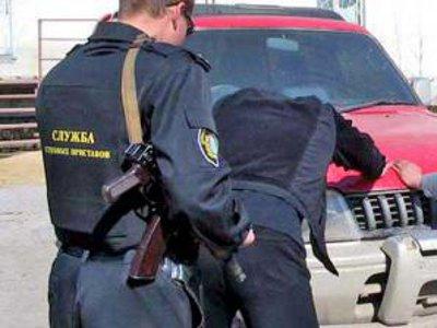 Сотрудники УФССП поймали парочку алиментщиков, долго бегавших от правосудия