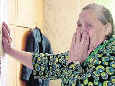 На праздниках мошенники подчистую обобрали двух доверчивых старушек