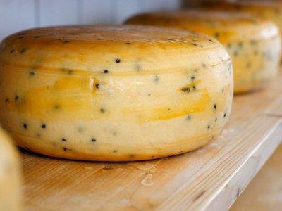 Смолянин дважды за день пронес мимо кассы в разных магазинах по головке сыра