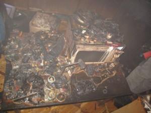 Пожарные вытащили из объятой огнем пятиэтажки 12 жильцов