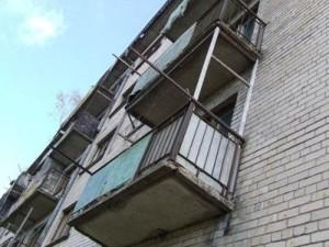 Сбросивший с балкона жену смолянин получил девять лет «строгача»
