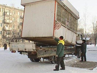 Хозяевам нелегальных ларьков и гаражей дали срок на их демонтаж