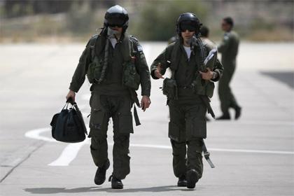 Израильских пилотов наказали за закачку секретных карт на смартфоны