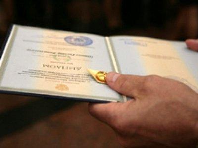 Руководителя Ярцевского района подозревают в использовании липового диплома