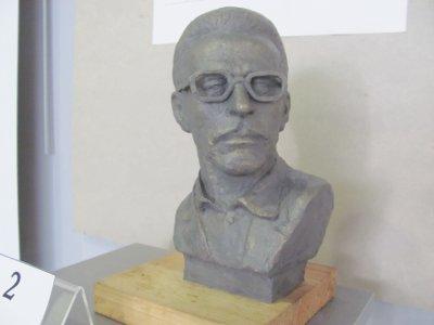 Из семи конкурсных бюстов Борису Васильеву выбрали работу смоленского скульптора