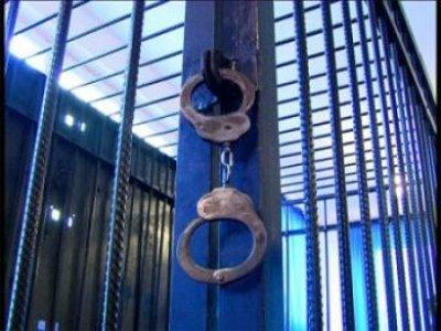 Сколоченную на зоне банду отправят под суд за три десятка магазинных краж