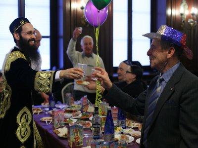 В смоленской синагоге отметили веселый праздник Пурим