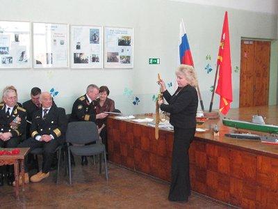 Вдова командующего Черноморским флотом Балтина привезла в Смоленск его кортик