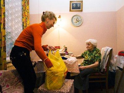 Одиноким старикам стали помогать социальные участковые