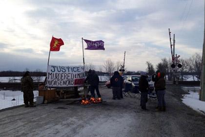 В Канаде индейцы заблокировали движение поездов