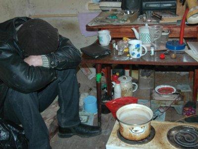 В Гагарине участковый разоблачил наркопритон