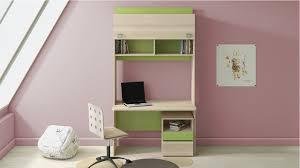 Выбираем детский письменный стол
