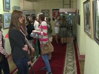 В Смоленске открылась «весенняя» выставка Татьяны Колодяжной