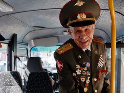 На 9 Мая смоленским ветеранам сделали бесплатный проезд