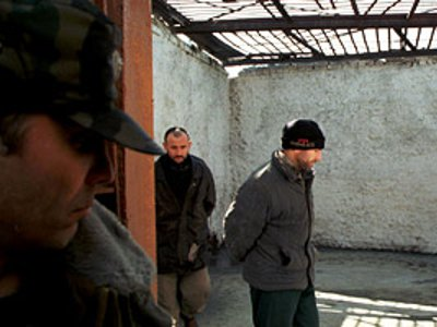 Пообещав помочь зэку, тюремщик сам стал фигурантом уголовного дела