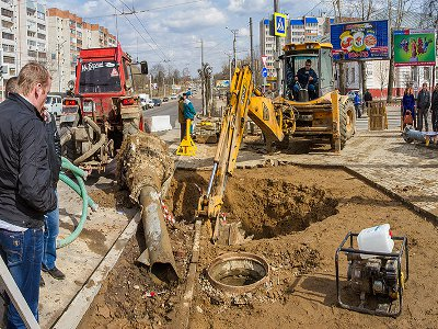 В районе Медгородка прорвало магистральный водопровод