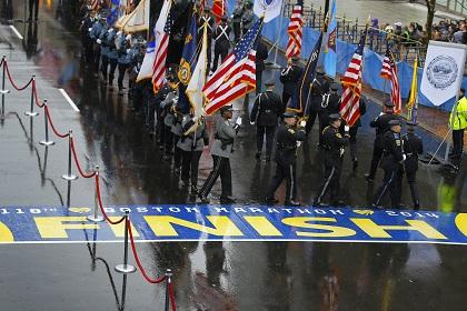 На финише Бостонского марафона проведена полная эвакуация из-за угрозы взрыва