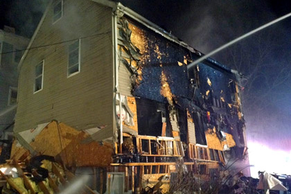 При взрыве в Бостоне пострадали 12 человек