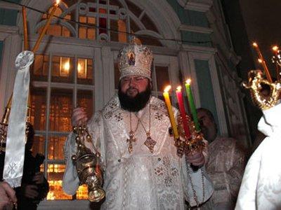 Пасхальная ночь завершилась праздничным фейерверком на Соборной площади