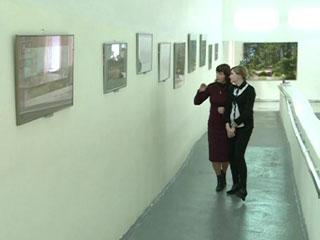 В смоленском центре «Вишенки» открылась выставка пейзажей Александра Зорина