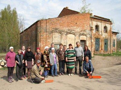 Возрождение Жарынского храма началось с субботника по расчистке территории