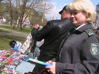 На ярмарке «Сад-огород» покупателям пытались всучить сомнительные саженцы