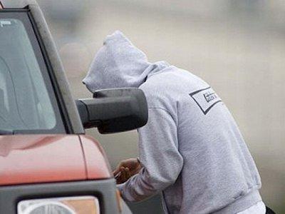 На взятой напрокат машине автовор возил продавать краденное в соседнюю страну
