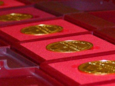Смоленским отличникам планируют вручать медали с бриллиантом